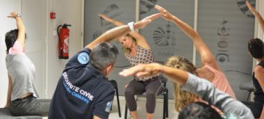 Les agents pouvaient participer à trois ateliers. Ici, comment pratiquer le yoga au bureau !